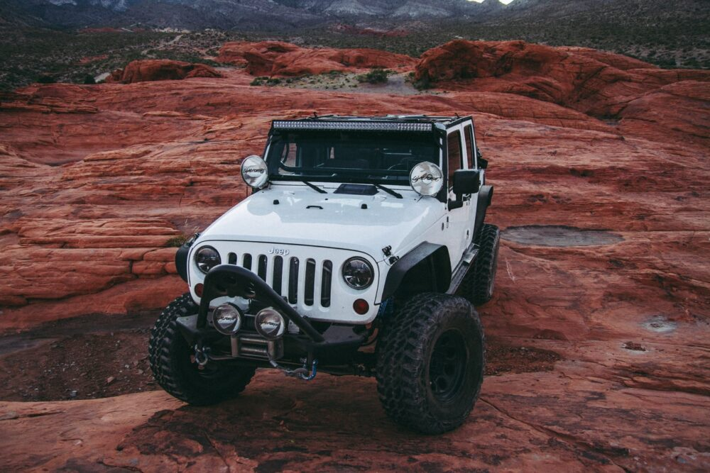 7 Best Jeep Hardtop Hoists: Reviews and Guide